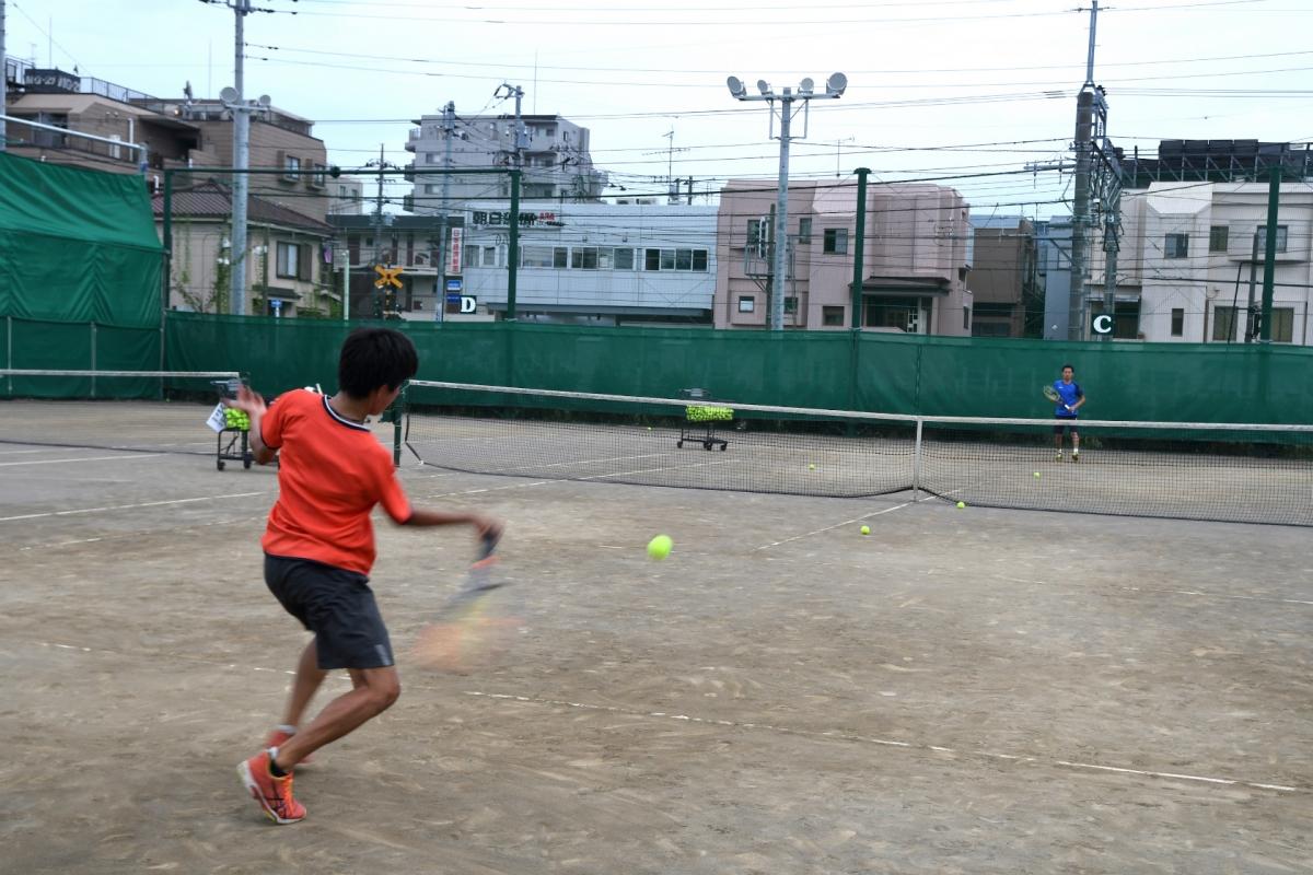 テニス ジュニア強化 練習風景